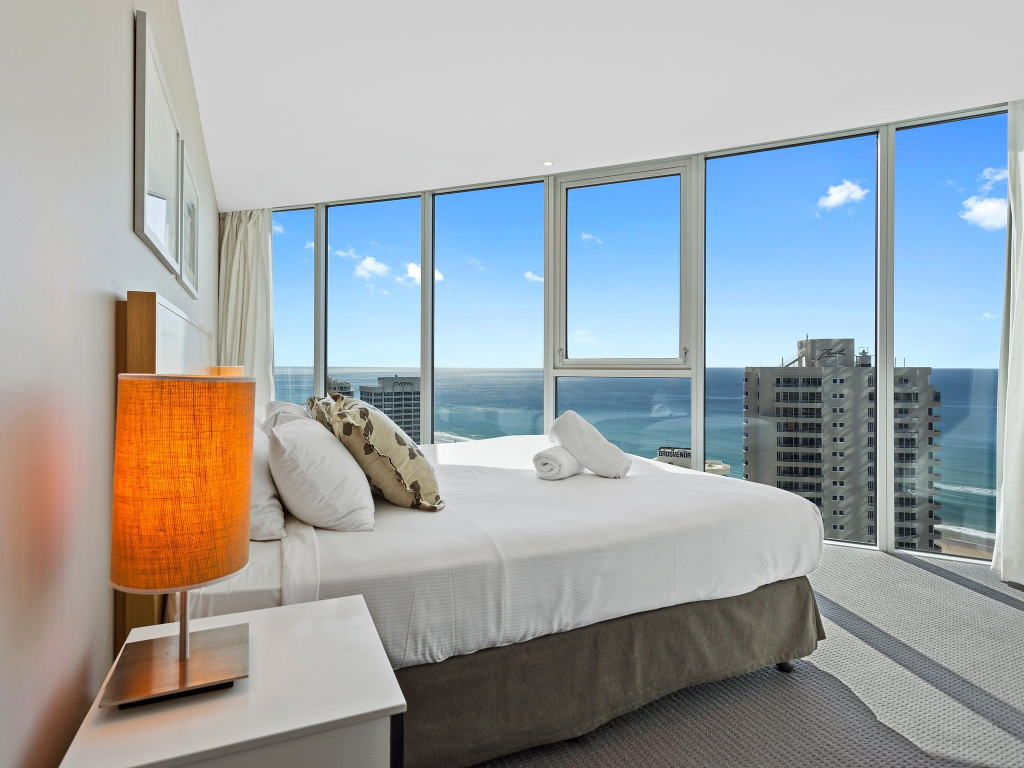 Holiday Holiday – H Residences Surfers Paradise